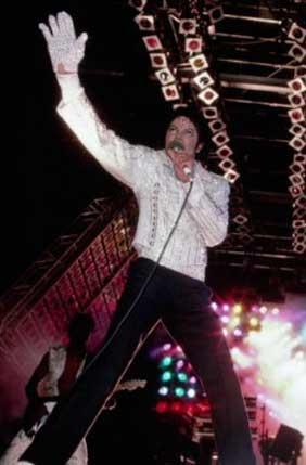 http://www.lacortedelreydelpop.com/conciertos26.jpg